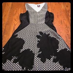 Vince Camuto black and white print dress size 8